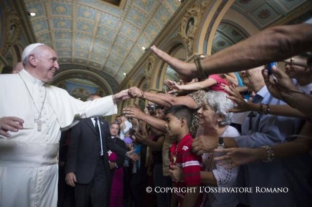 Encuentro con las familias en la Catedral de Santiago de Cuba2