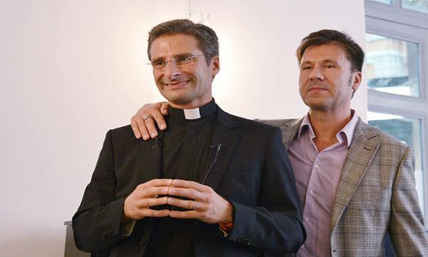 La vera sfida del prete gay