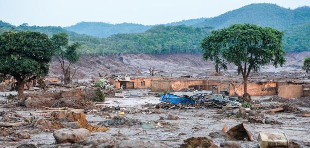 Brragem Bruma dinho, desastre ambiental